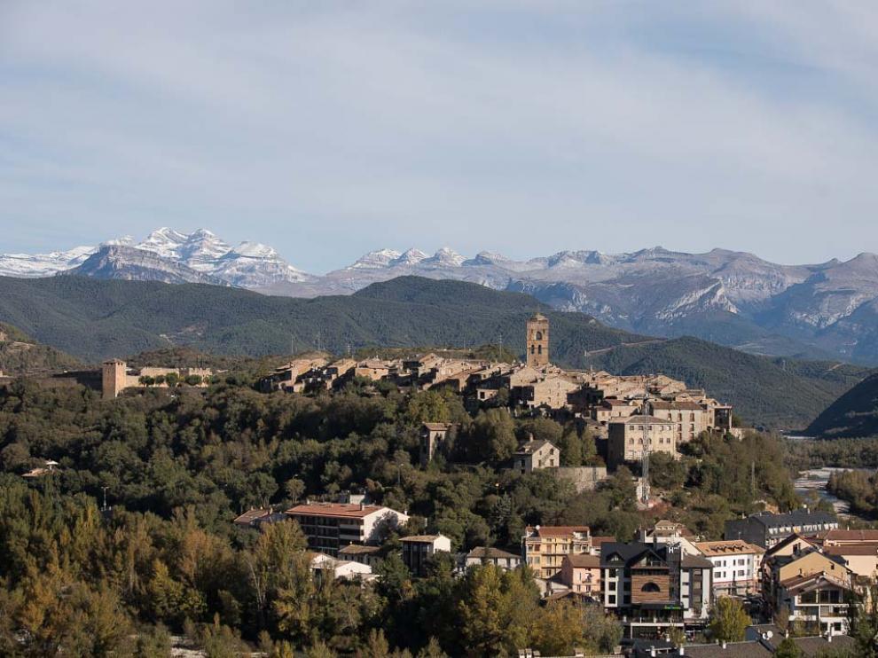 Foto de archivo de Aínsa-Sobrarbe, el primer municipio aragonés en unirse al Corredor Biológico Mundial.