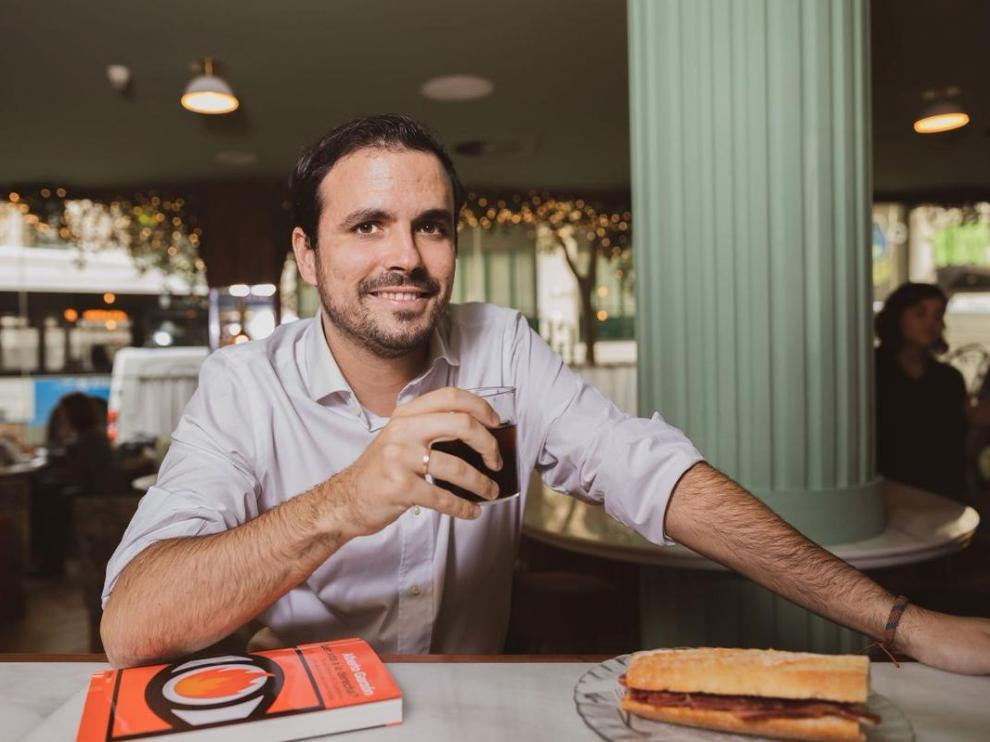 Críticas a Garzón por sus mensajes sobre el consumo de carne.