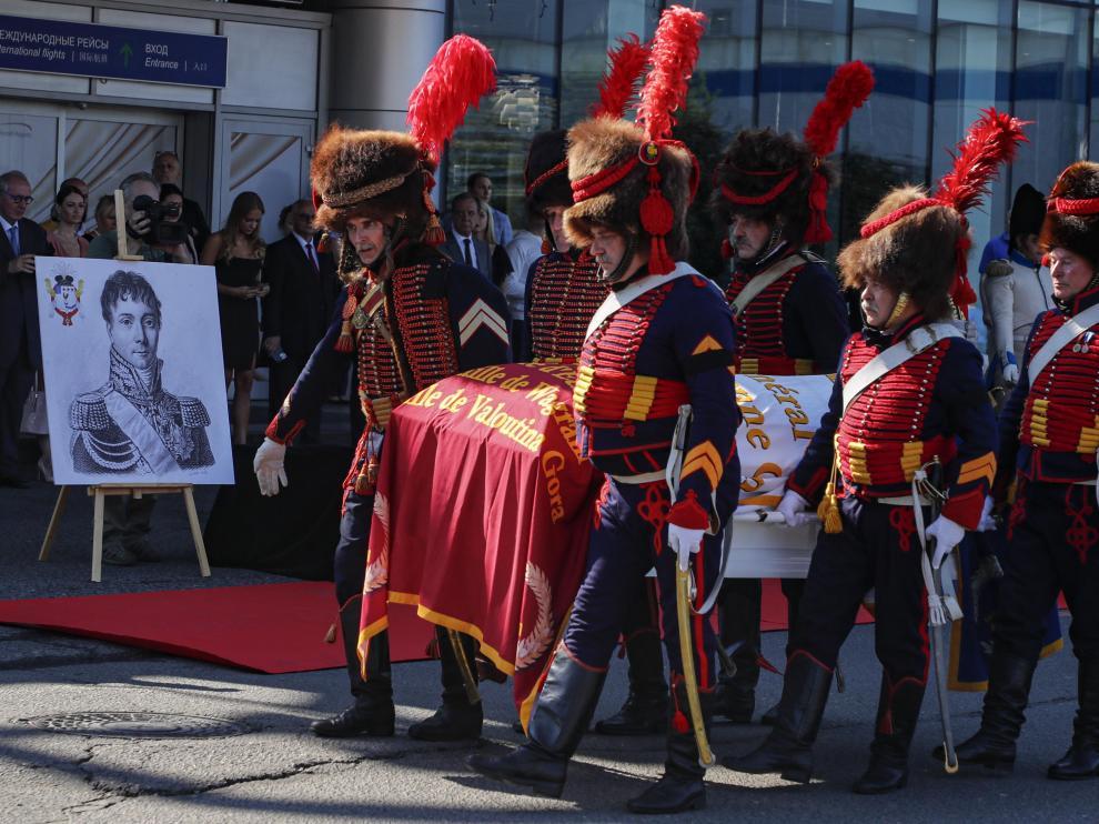 Ceremonia de entrega en Moscú de los restos del general Charles-Etienne Gudin de la Sablonniere