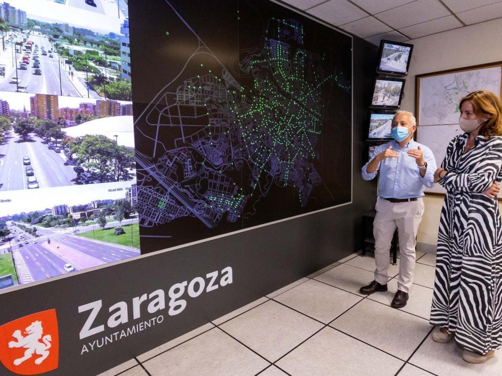 Visita de Natalia Chueca al centro de tráfico de Zaragoza