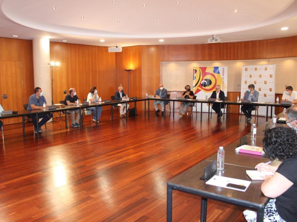 La Mesa contra la Despoblación de la Diputación Provincial de Huesca ha quedado constituida este martes.