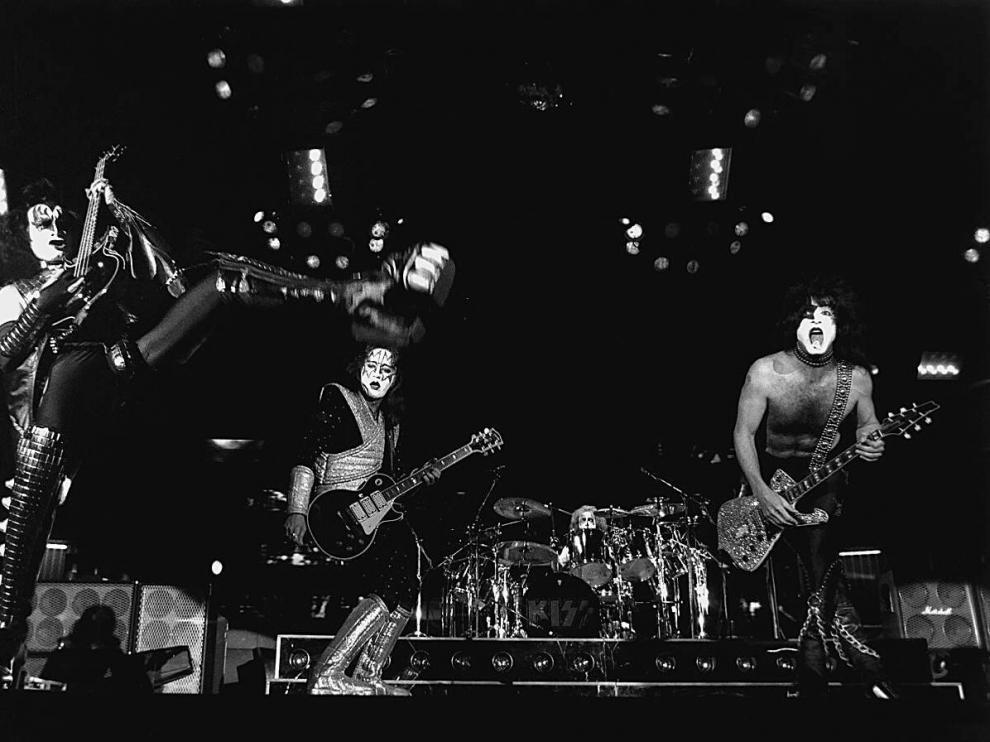 El grupo estadounidense Kiss actuó en la capital aragonesa en 1997