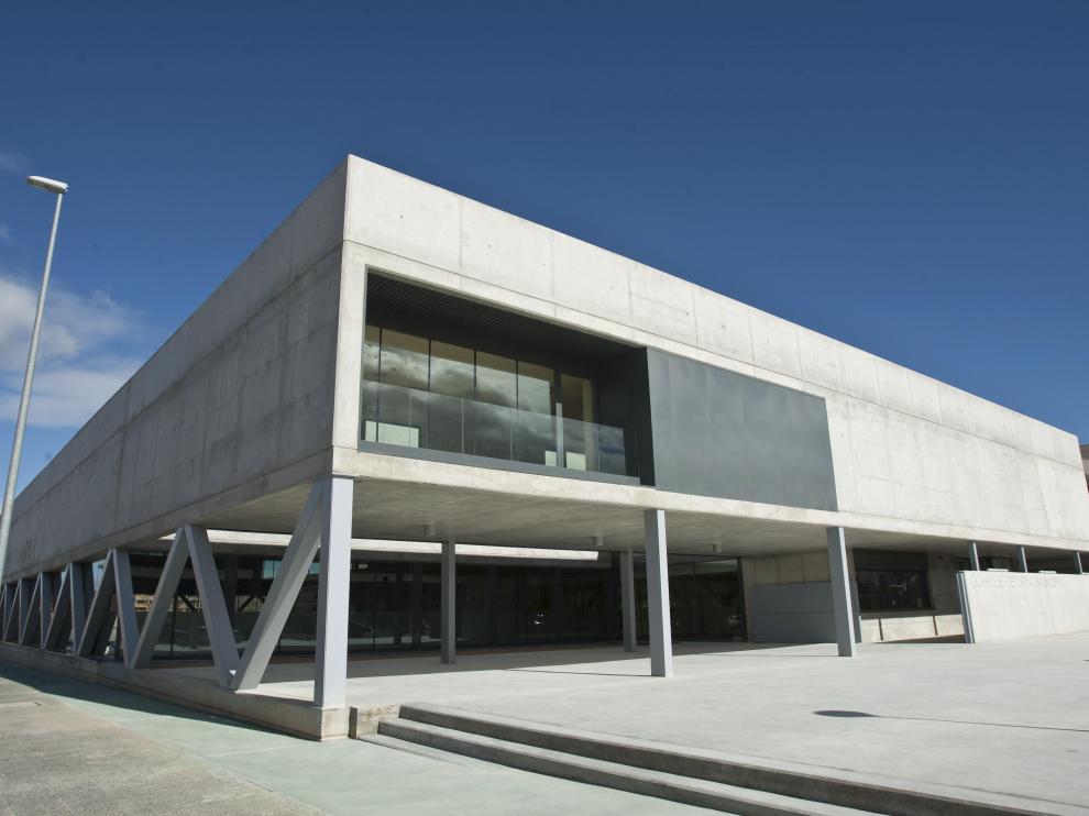 Uno de los edificios seleccionados, la piscina cubierta de Cuarte de Huerva, proyecto de Olano y Mendo Arquitectos.