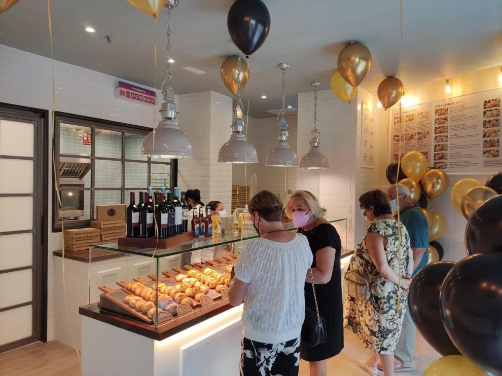 Inauguración de la nueva tienda de Malvón en la calle Alfonso I este jueves.