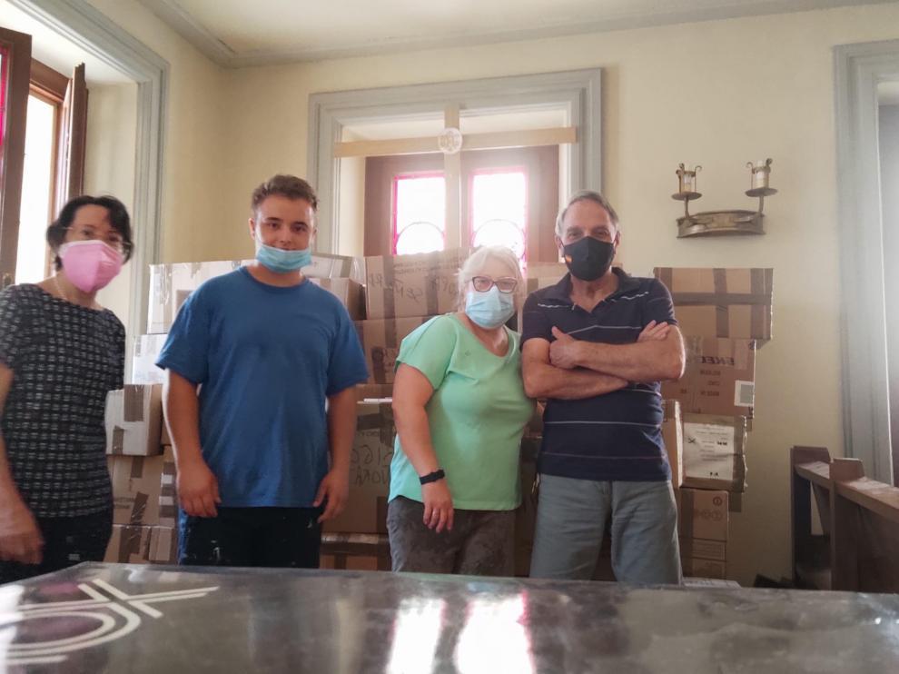 Algunos de los voluntarios de Cáritas Castrense Aragón que han participado.