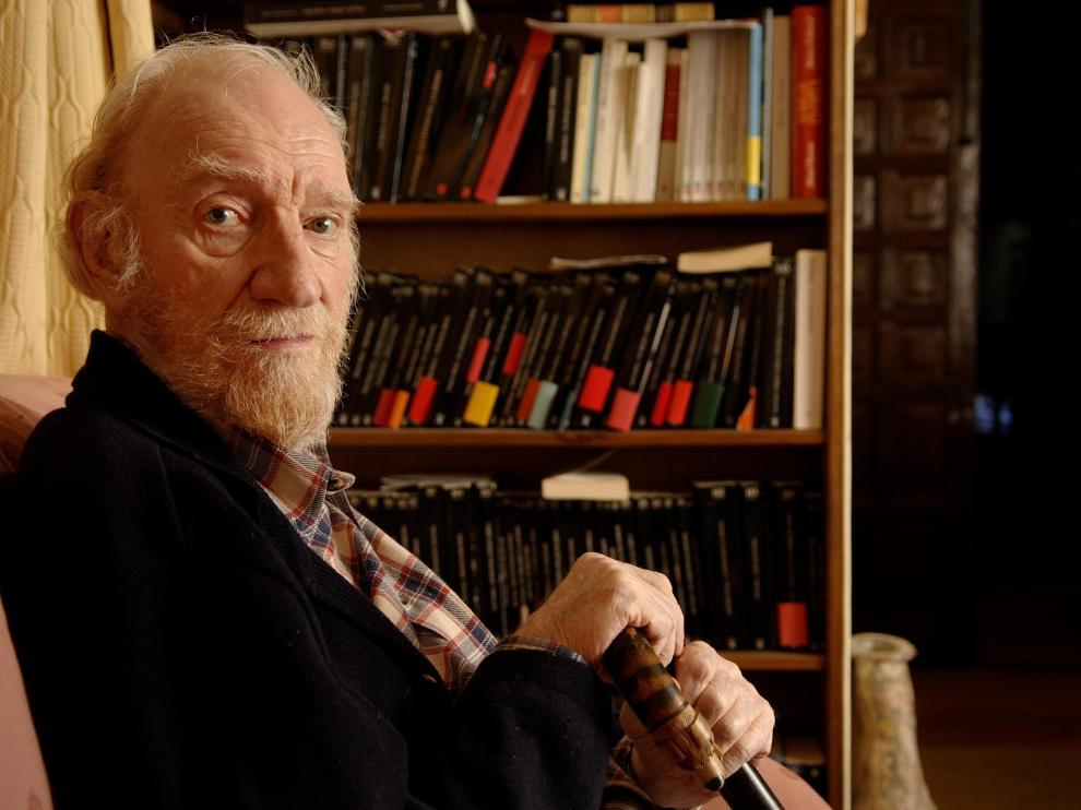 Fernando Fernán Gómez, en un descanso del rodaje de su última película, 'Mía Sara', de 2006.