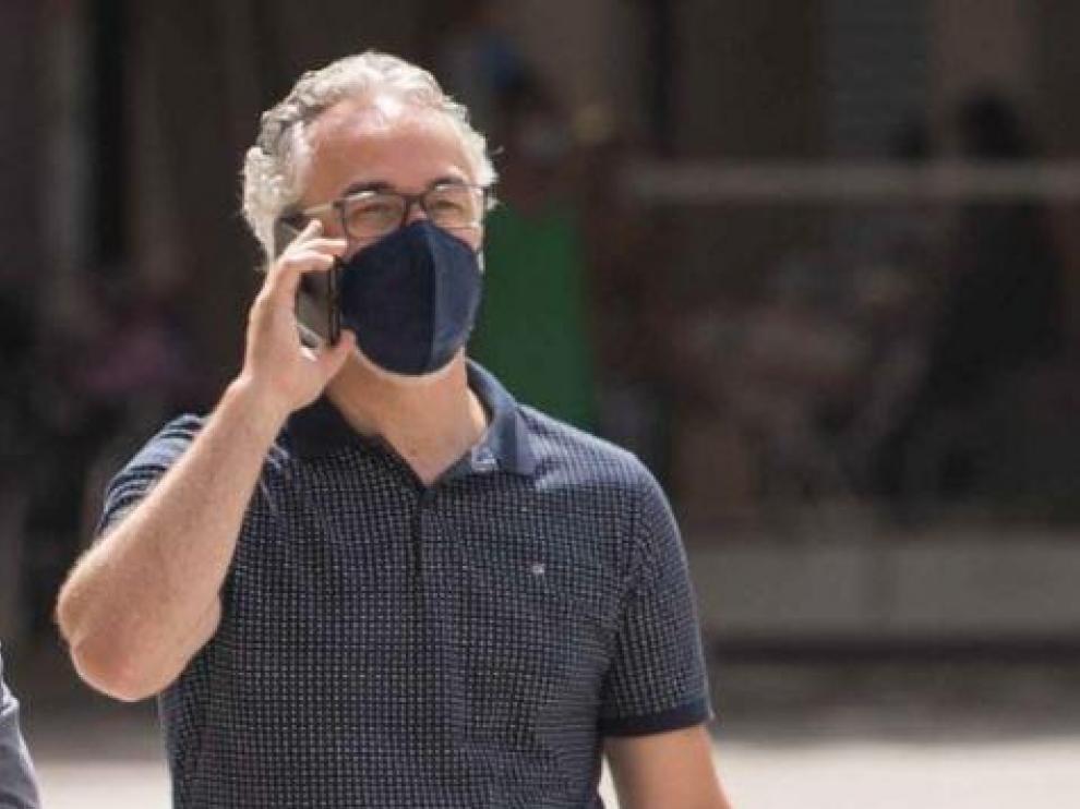 Miguel Torrecilla, al teléfono permanentemente.