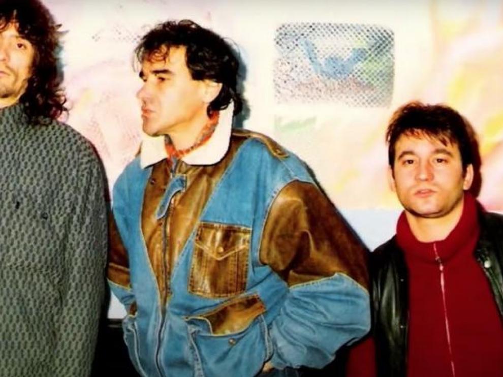 Carlos 'el sucio', junto a sus compañeros de banda