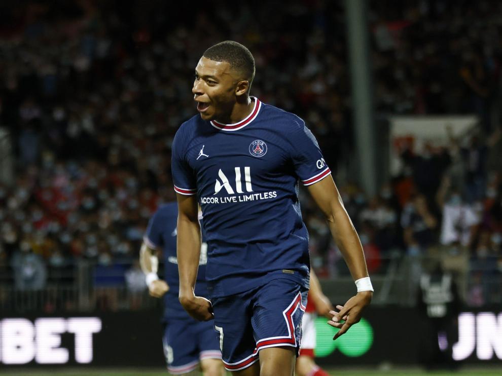 Mbappé celebra un gol en el partido ante el Brest