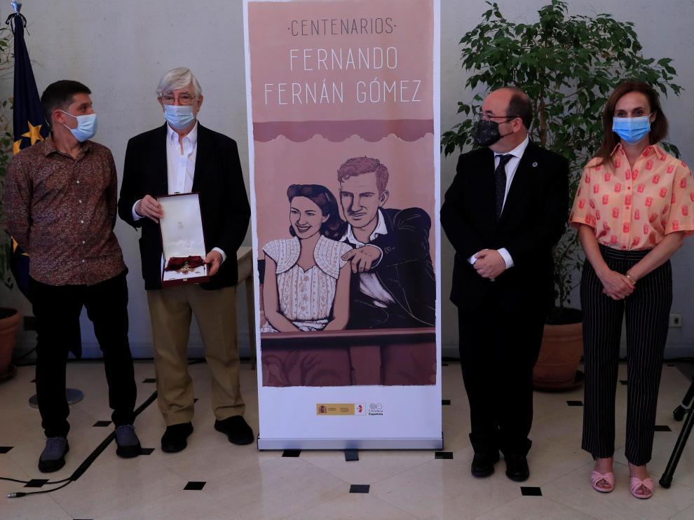 Iceta entrega Gran Cruz de la Orden Civil de Alfonso X a familia de Fernando Fernán Gómez