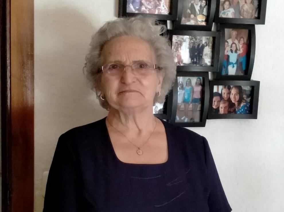 Manolita Serrano, de 86 años, ha trabajado toda su vida en la fruta.