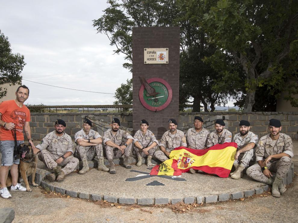 Un grupo de militares del EADA, en la Base Aérea de Zaragoza