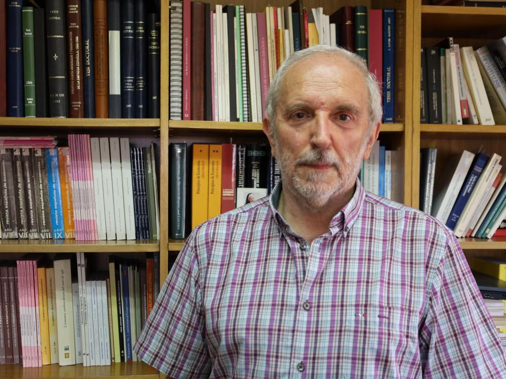 El catedrático Vicente Salas