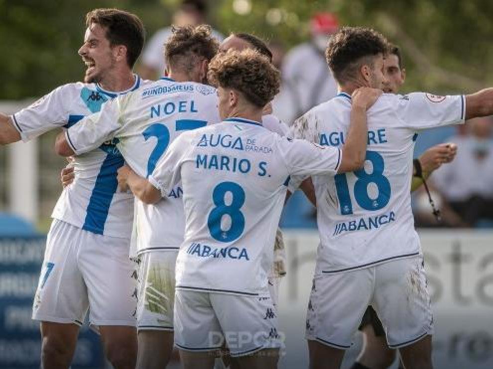 Los jugadores del Deportivo celebran un gol en Calahorra