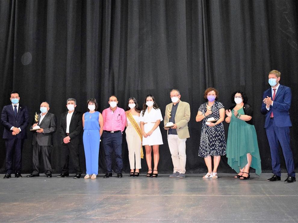 Foto de familia de los distinguidos con los premios Calibo este año.