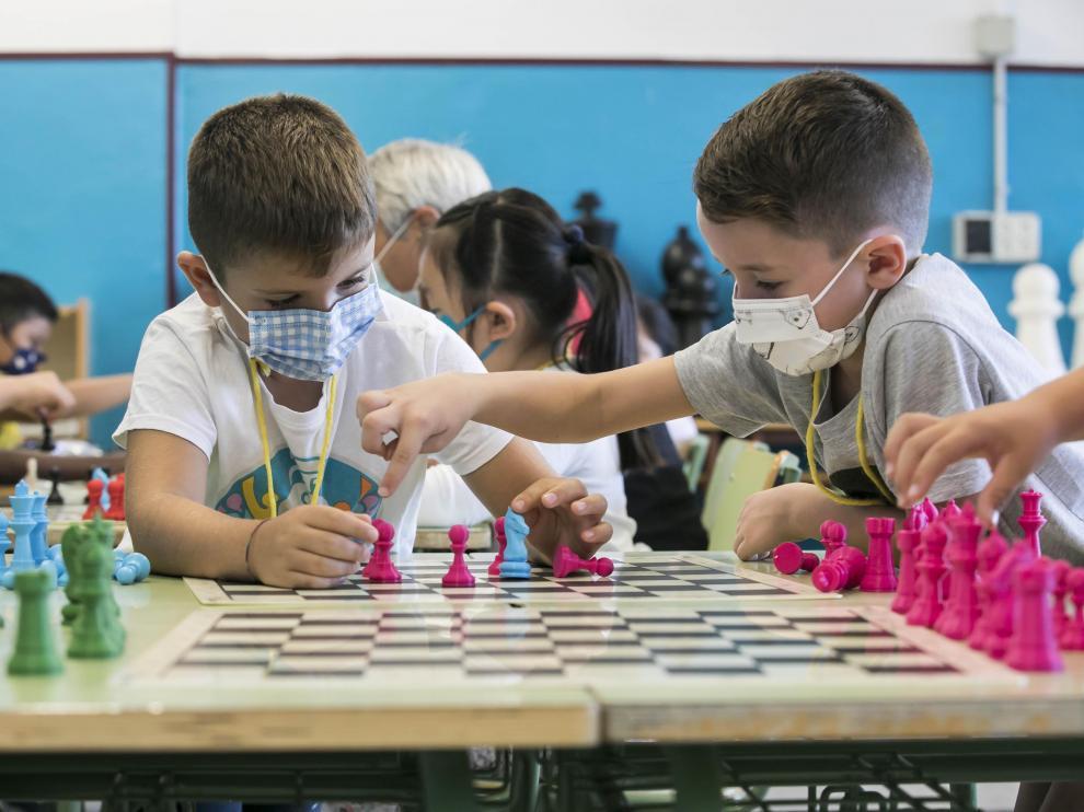 En el CEIP Zalfonada de Zaragoza, el ajedrez forma parte del Proyecto de Centro y se imparte ya desde la etapa de infantil
