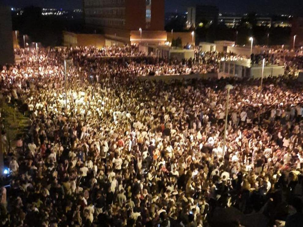Macrobotellón con 25.000 personas en la Ciudad Universitaria de Madrid.