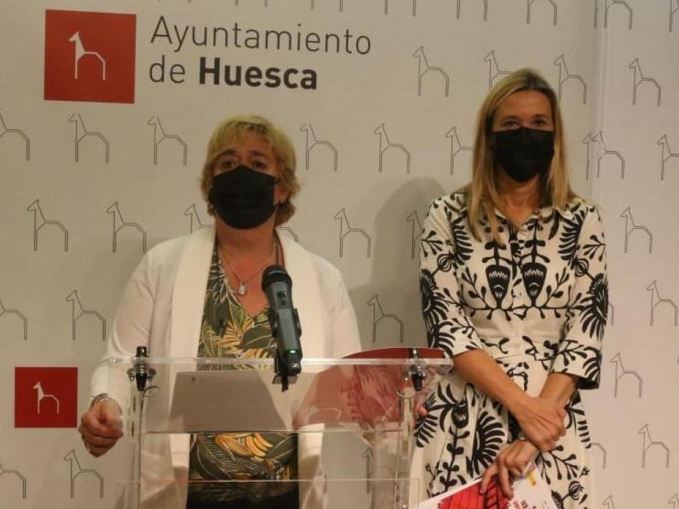 Las concejalas Rosa Gerbás y Cristina de la Hera han presentado la propuesta del plan turístico de Huesca.