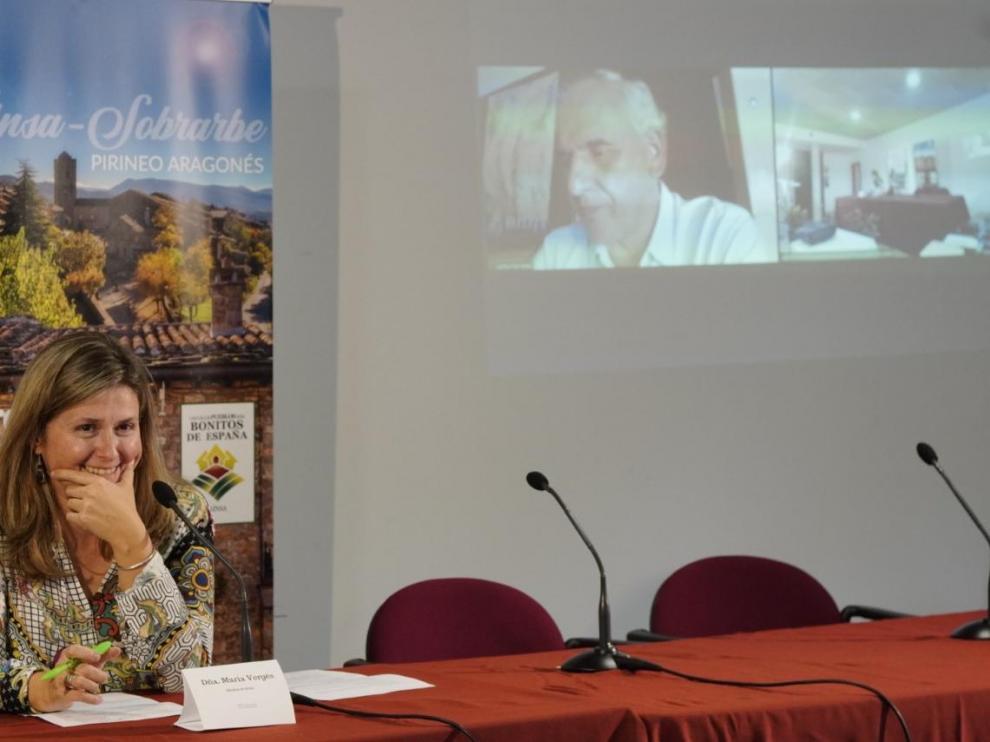 María Verges, síndica de Arán, presentando al empresario benasqués Carlos Barrabés.