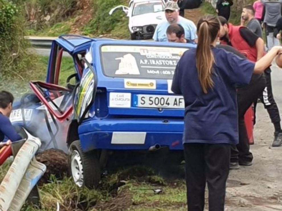 El coche accidentado en el Rally de Llanes