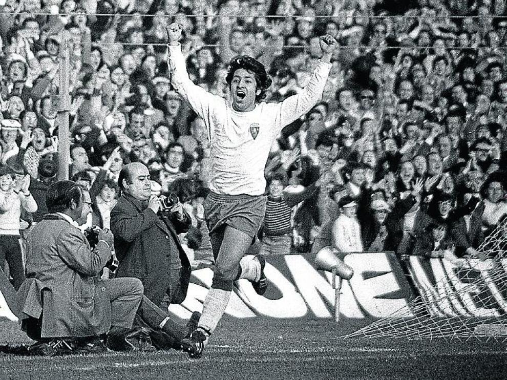 Arrúa celebra el gol des ascenso a Primera en 1978