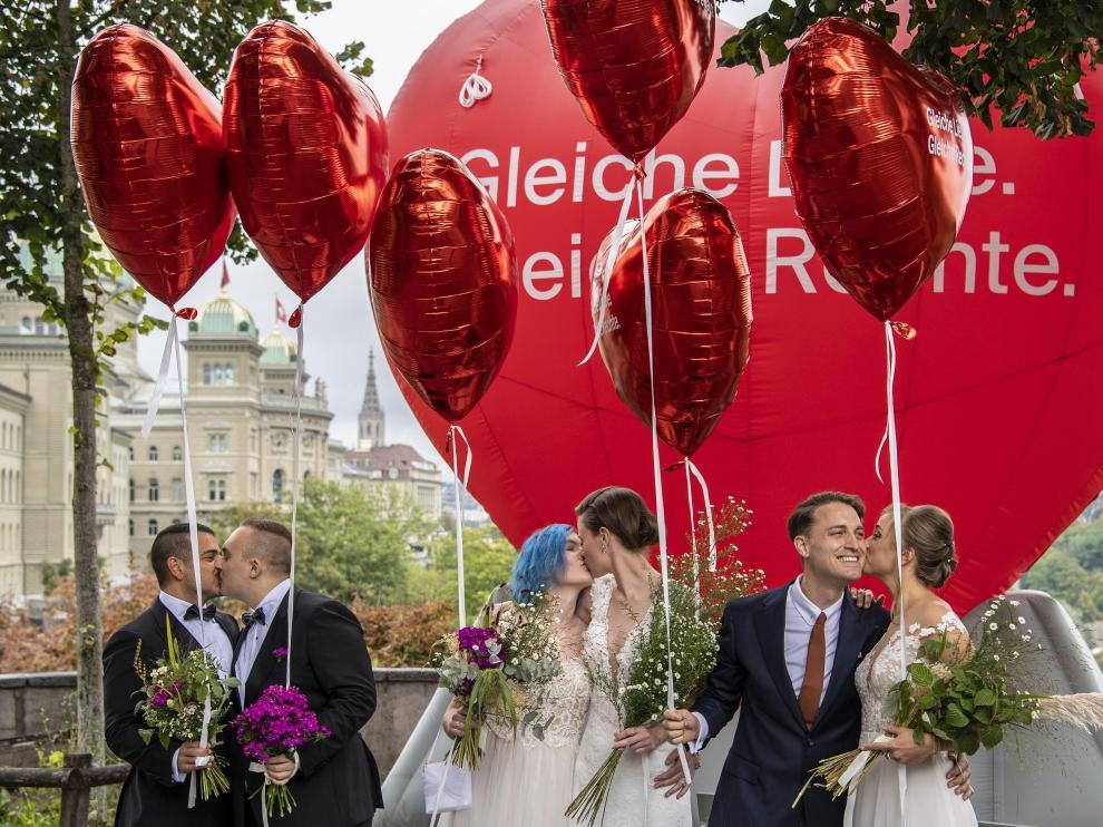 """Integrantes de la organización 'Operación Libero' por """"el matrimonio para todos"""". SWITZERLAND REFERENDUM"""