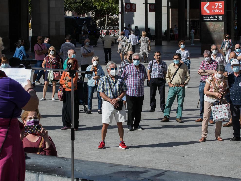 Protesta de los pensionistas en la plaza del Pilar.