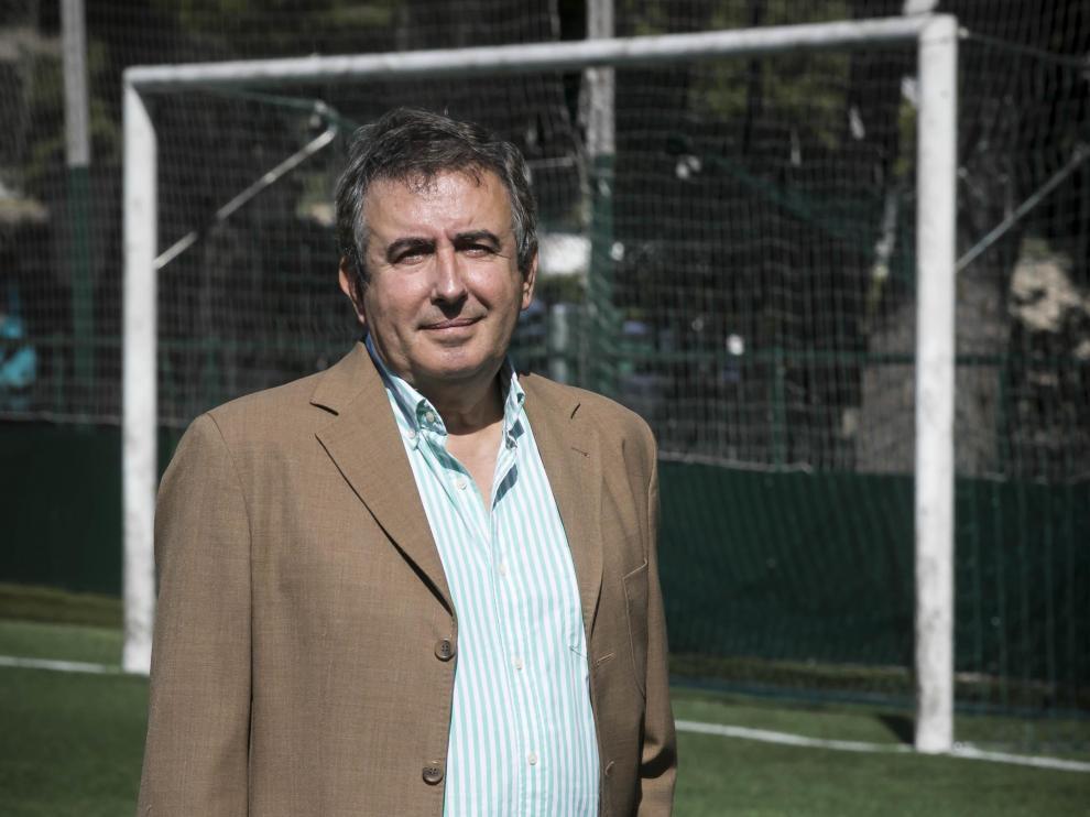 Manolo de Miguel, en el campo del Stadium Casablanca.