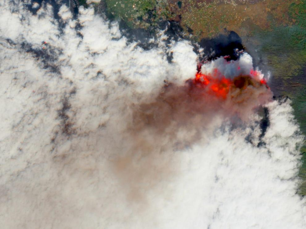 Volcano continues to erupt on the Canary Island of La Palma