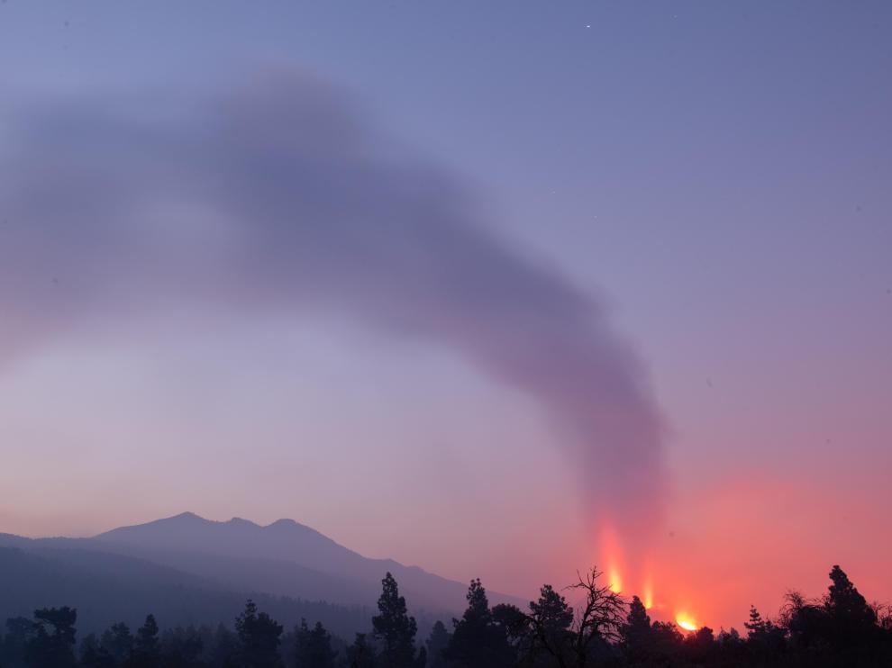 Continúa la erupción de Cumbre Vieja, en La Palma, por décimo noveno día