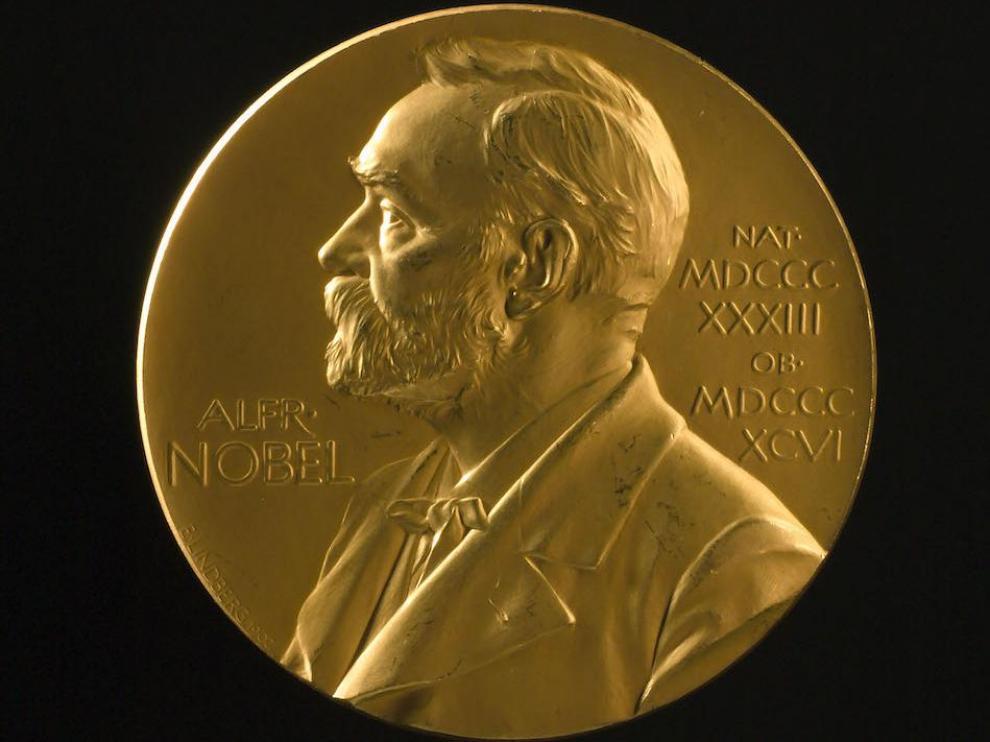 Moneda de oro con el grabado de Alfred Nobel que se entrega en los premios con su nombre
