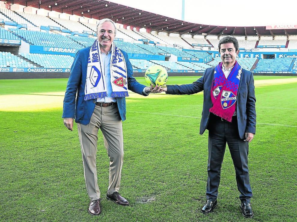 El alcalde de Zaragoza, Jorge Azcón, junto al de Huesca Luis Felipe