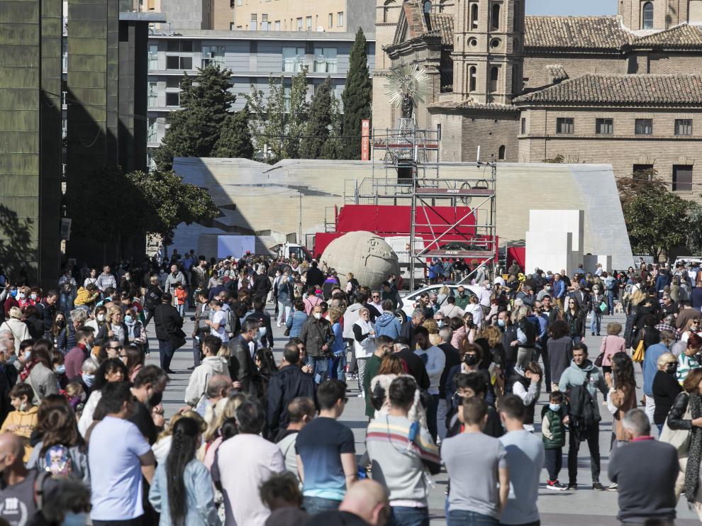 Animación en la plaza del Pilar.