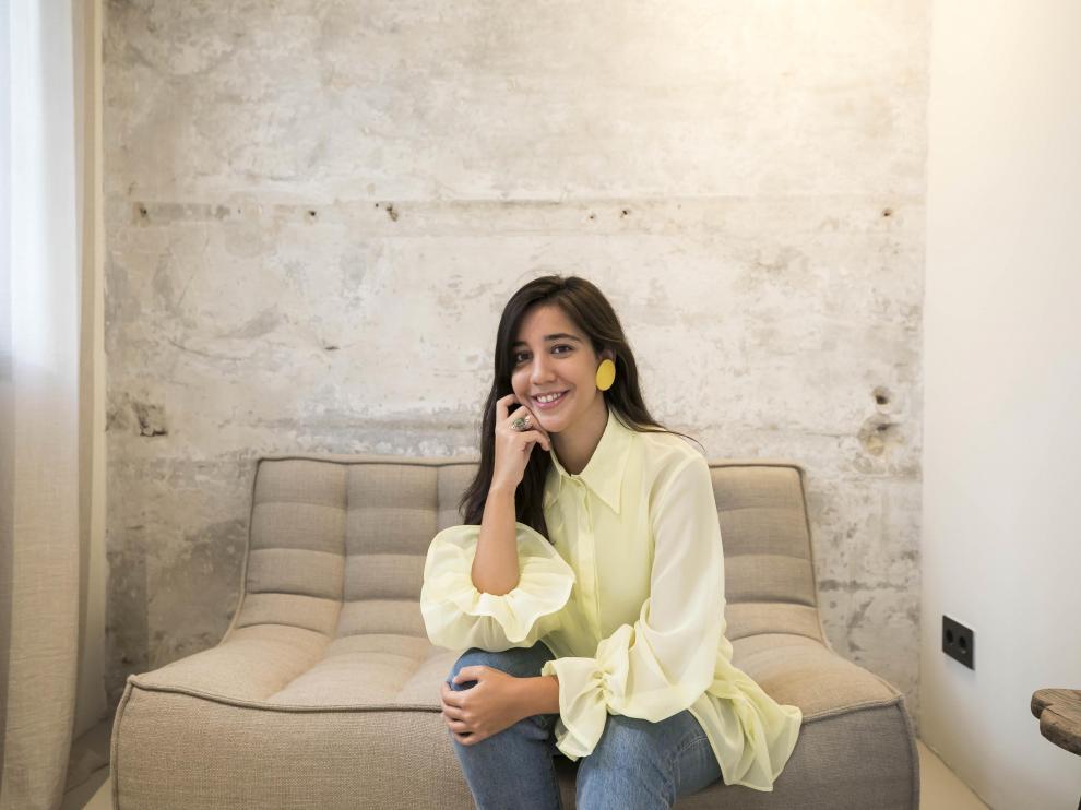 La diseñadora zaragozana Irene Bielsa, ganadora de la Aguja Goyesca de 2021.
