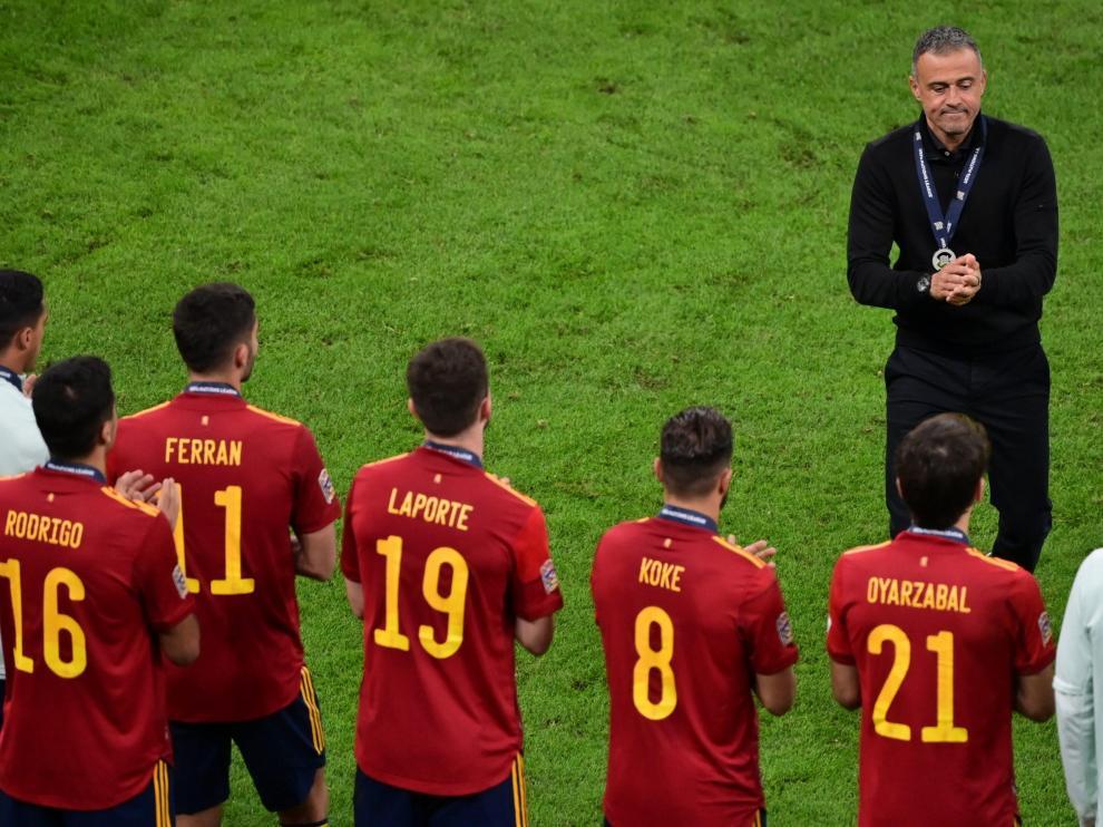 Luis Enrique Martínez ante sus jugadores