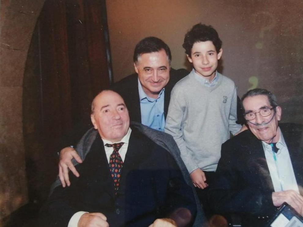 Gervasio Sánchez junto a Manu Leguineche