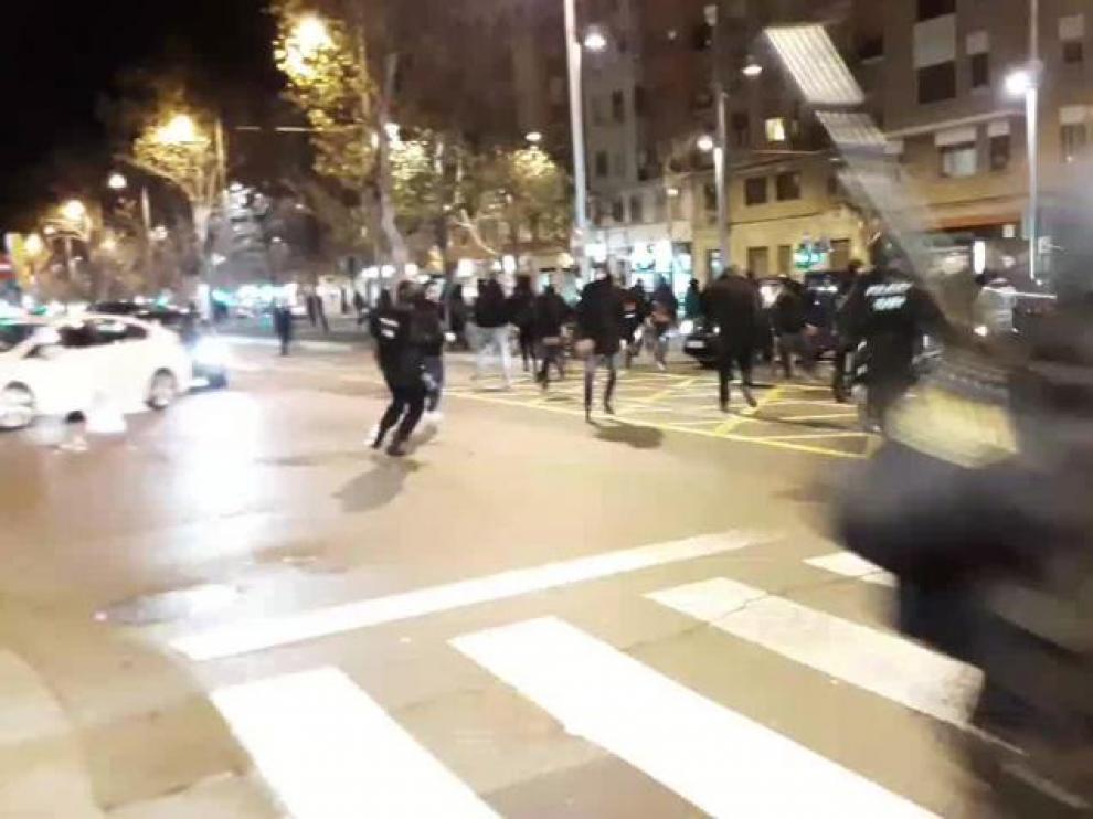 Carga policial en la manifestación contra VOX