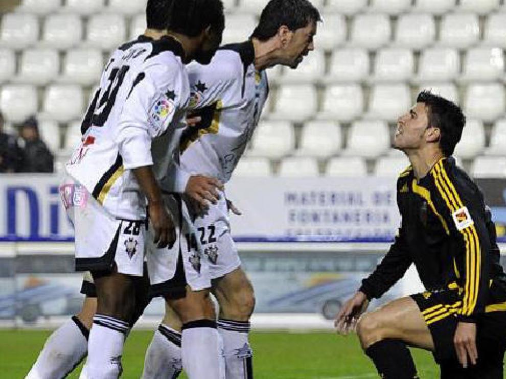 Kitoko, Trotta e Iker Begoña recriminan a Braulio.
