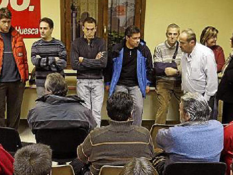 Trabajadores de Oscainox en una asamblea.