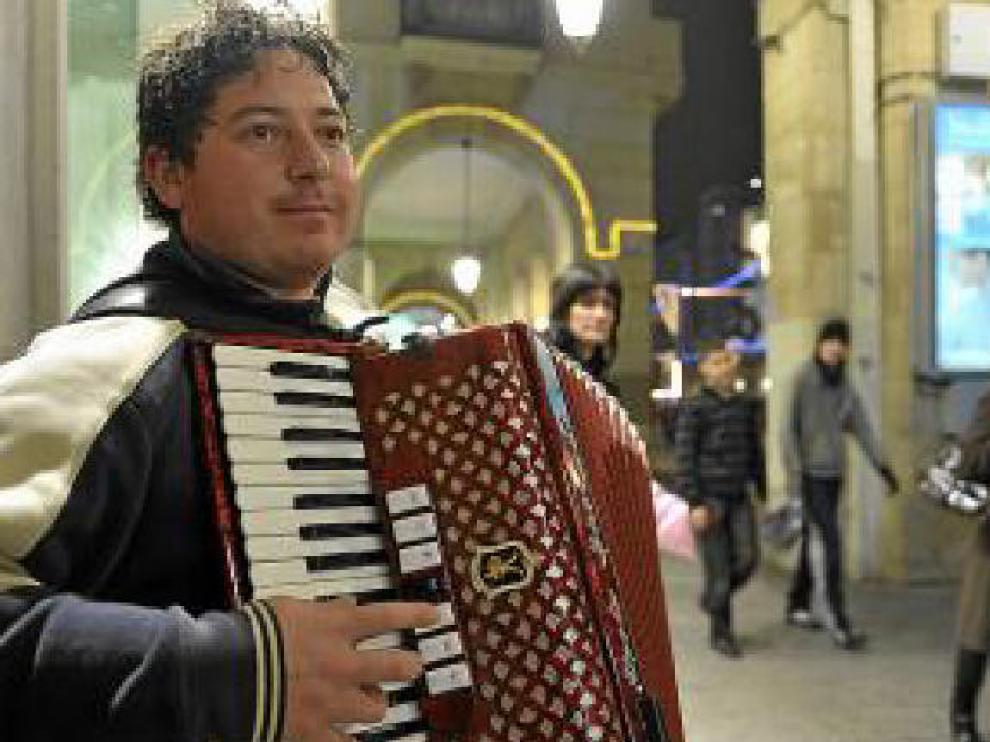 El acordeonista rumano Ionel Ene