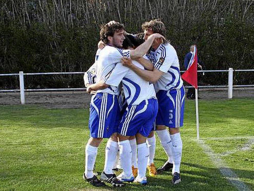 Celebración de un gol del Real Zaragoza B