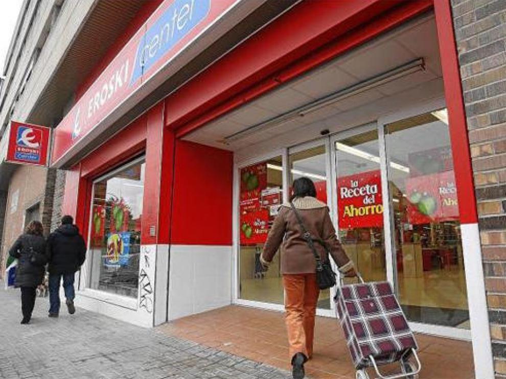 El supermercado Eroski Center de la calle de Ramón J. Sender de Huesca cerrará el próximo día 21 de enero