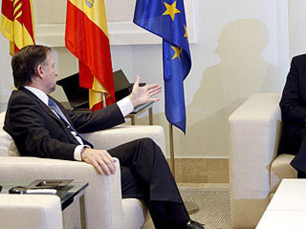 Marcelino Iglesias se entrevista con Zapatero