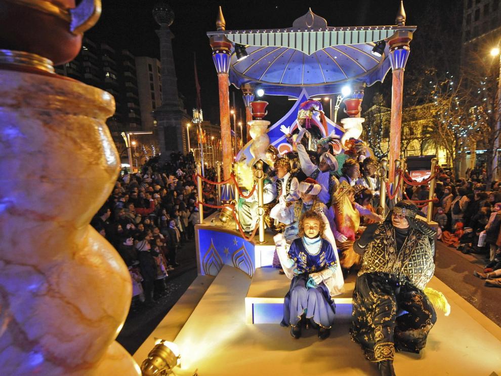 Cabalgata de Reyes por las calles de Zaragoza