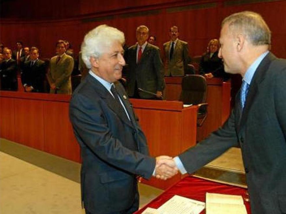 En diciembre de 2003 García Vicente volvió a jurar su cargo en las Cortes de Aragón