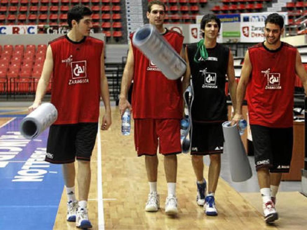 Iván García, Oliver Arteaga, Matías Lescano y Roberto Guerra al término de un entrenamiento de esta semana