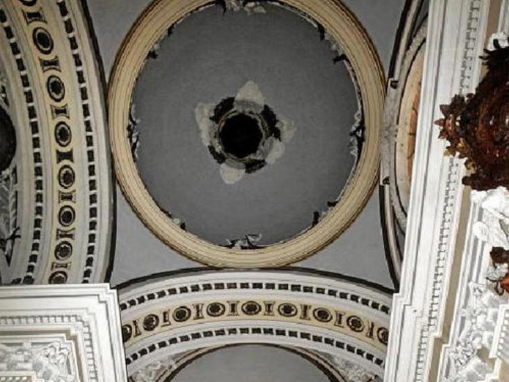 Varios espacios del techo del Pilar están aún a la espera de decoración pictórica