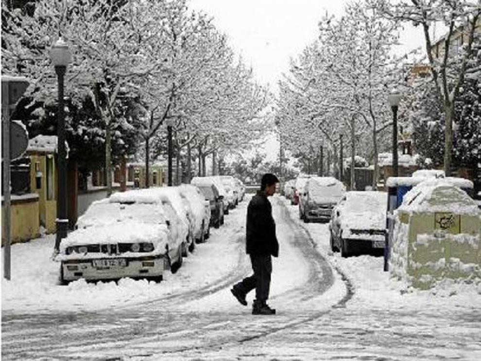 Las calles de Teruel seguían teniendo ayer por la mañana una apreciable capa de nieve.