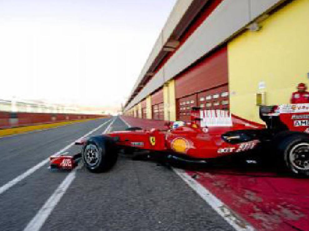 El nuevo Ferrari F60 en el circuíto de Mugello.