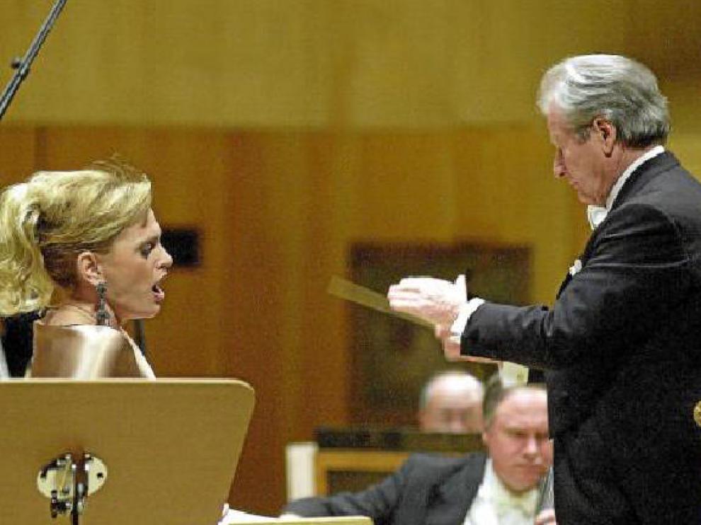 Ainhoa Arteta y Neville Marriner, en la sala Mozart, en 2005.